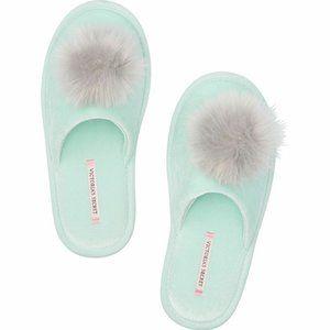 Victorias Secret Slippers Meduim (7-8) Mint Green